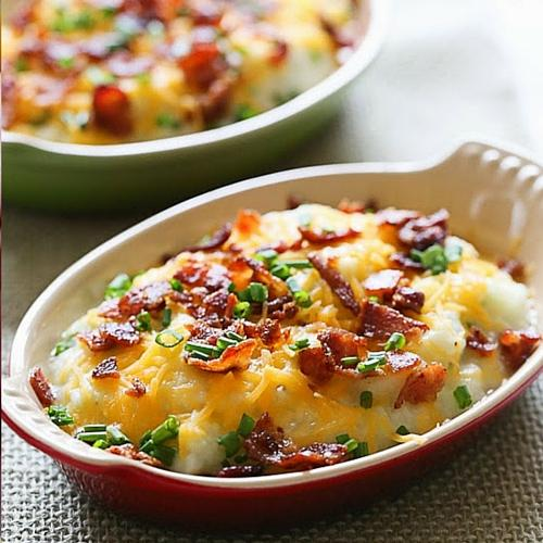 """Get the recipe here for Loaded Cauliflower """"Mash"""" Bake"""