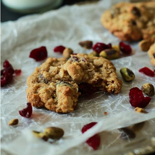 Oatmeal Cookie Recipes: 21 Recipes for the Perfect Cookie