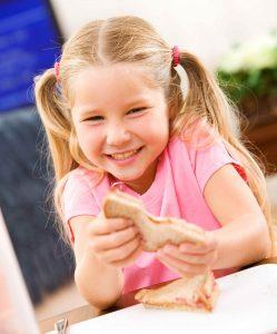 Child-Eating-PB&J