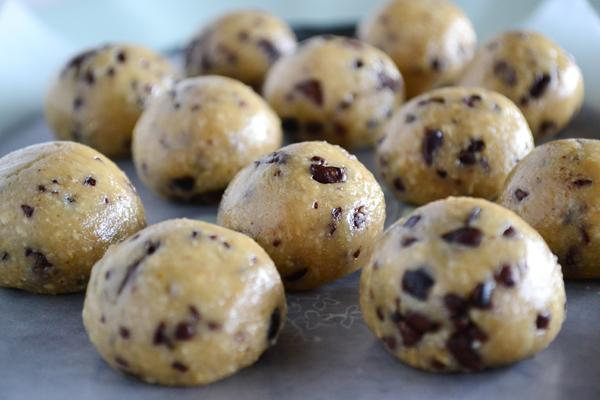 Chocolate Chip Cookie Dough Proteins Bites Recipe