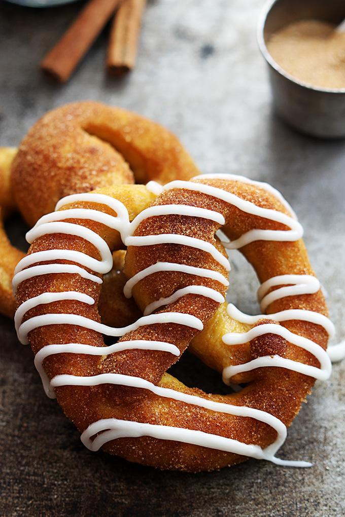 Pumpkin Desserts-Cinnamon Sugar Pumpkin Pretzels. pumpkin desserts, pumpkin dessert recipes