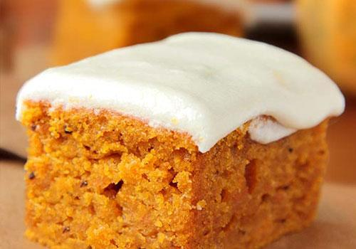 Pumpkin Desserts- Pumpkin Bars with Cream Cheese Frosting. pumpkin desserts, pumpkin dessert recipes