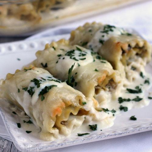 Mushroom, Broccoli And Spinach Lasagna RollUps