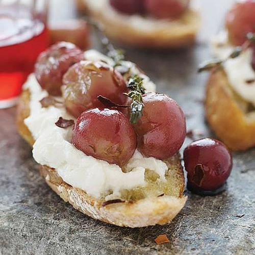 Bruschetta With Ricotta And Baked Grapes
