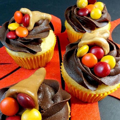 Thanksgiving Caramelcopia Cupcakes