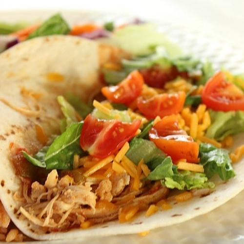 3 Ingredients Crockpot Chicken Tacos