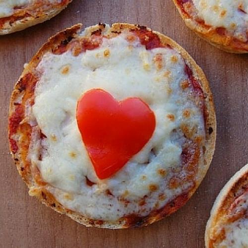 Easy English Muffin Pizza Recipe