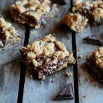 Healthy-Dark-Chocolate-Chunk-Oatmeal-Cookie-Bars
