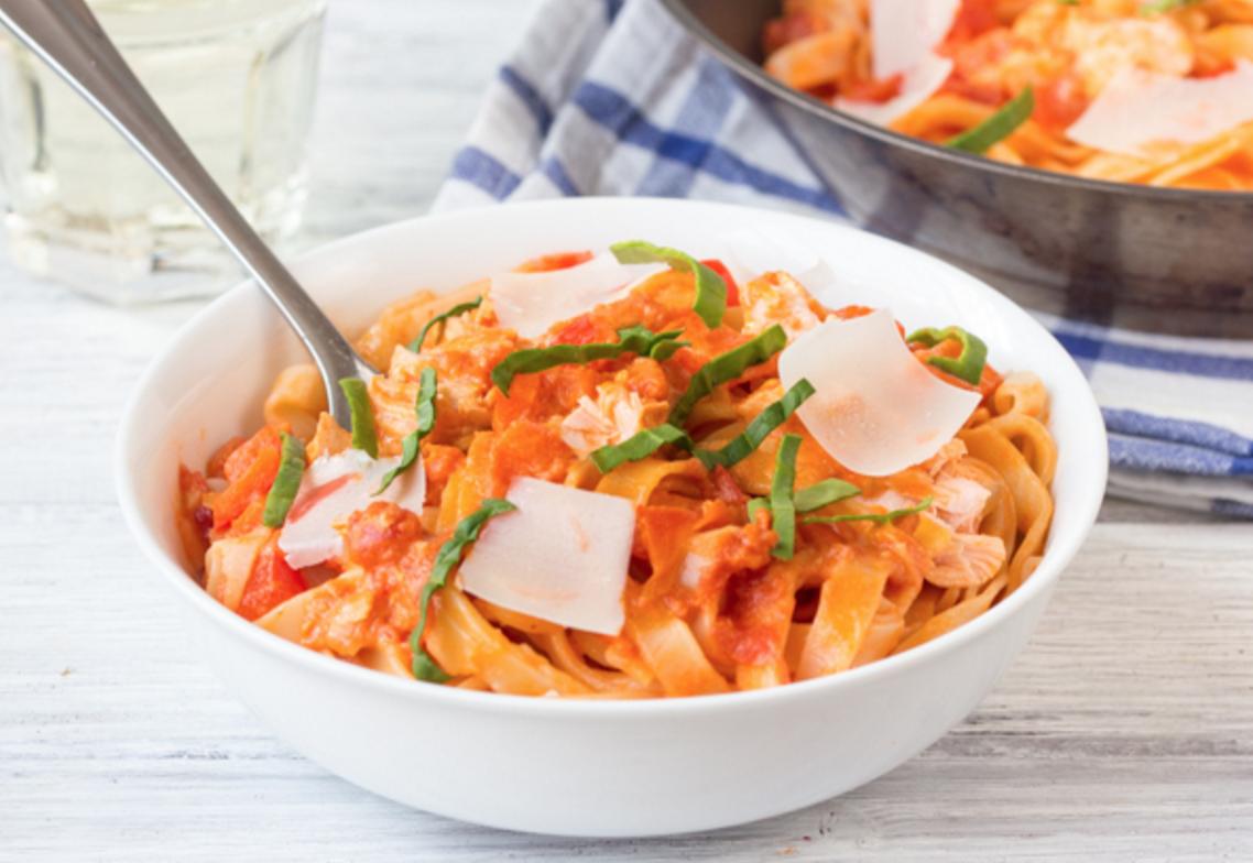 tomato fettuccini salmon