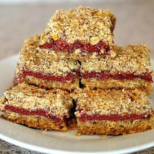 Easy snacks for kids 50 healthy snacks on the go strawberry muesli crumble bars forumfinder Choice Image