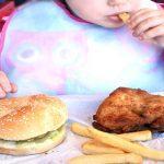 Child-Eating-Fast-Food–needs-image-credit