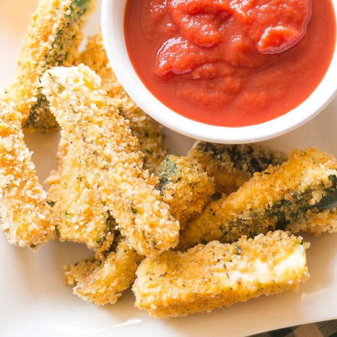 Skinny Zucchini Mozzarella Sticks