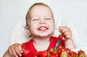 Toddler-Eating-Strawberries