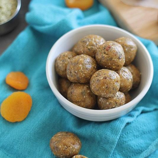 Apricot Almond Butter Snack Bites