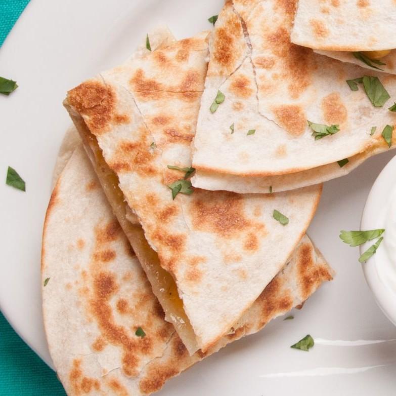 Chicken Veggie Quesadillas with Ranch Yogurt Sauce