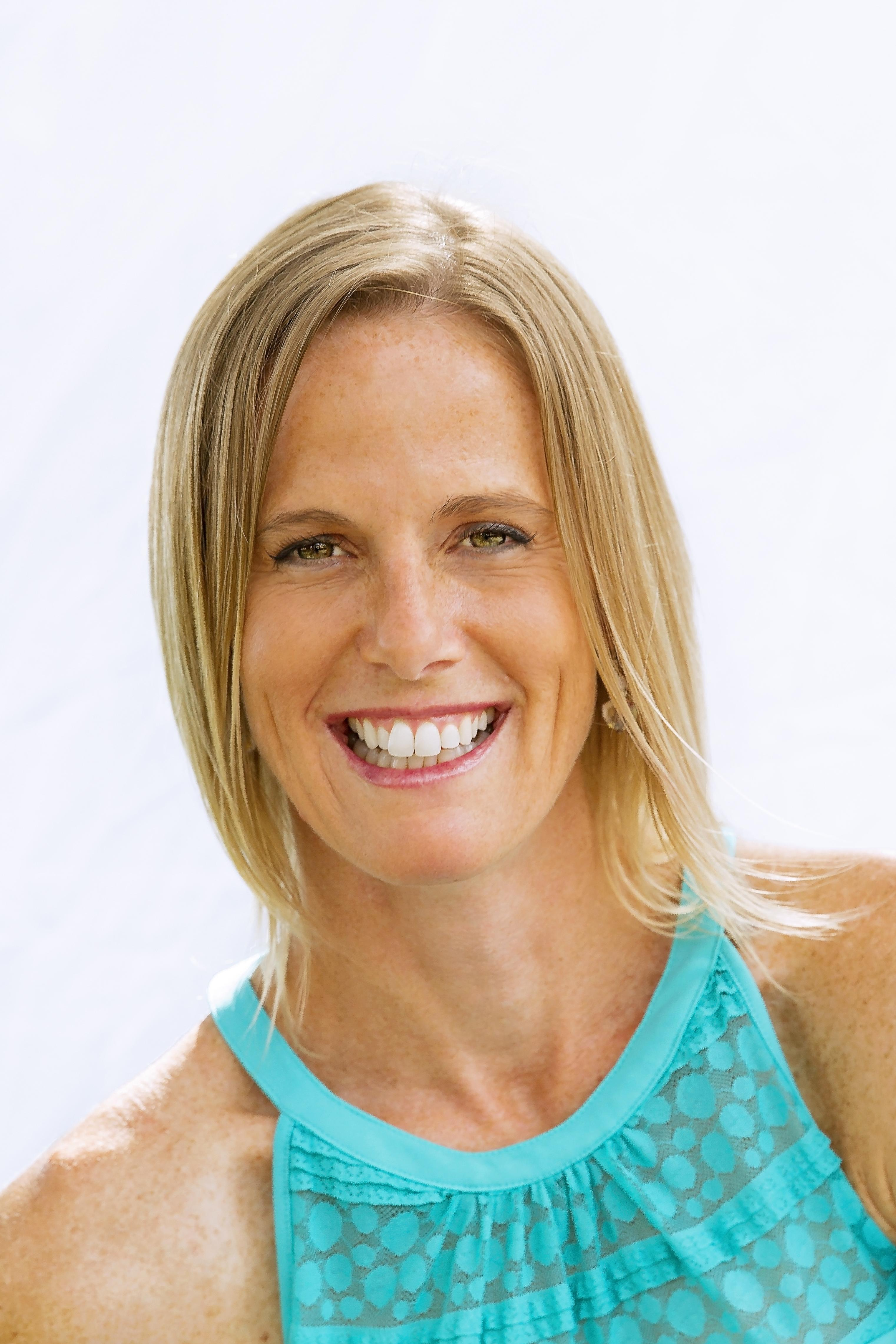 Stephanie Lang is an Integrative Nutrition Health Coach and a Mom of Two. She is passionate about helping families to create healthier lifestyles by embracing whole foods, physical activity and natural solutions.