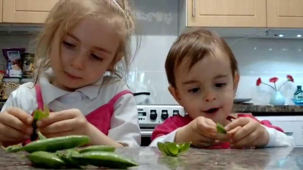 How to Get Kids to Eat Healthier Series: Kids Eating Peas
