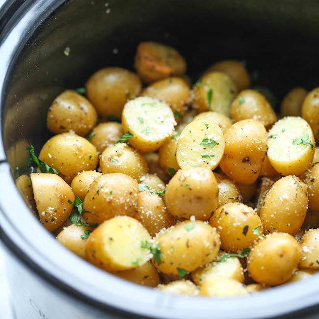 Slow Cooker Garlic Parmesan Potatoes Recipe
