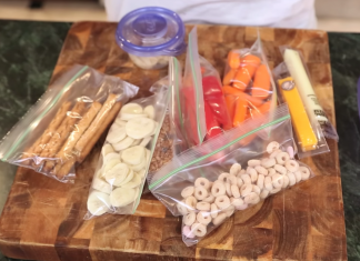 Going on an adventure with the family? Check out these travel food ideas in this great video! You'll learn just what snacks to bring.