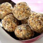 These high-fiber energy balls will send kids off to school with bellies full of fiber, antioxidants, and vitamins. The perfect snack for everyone!