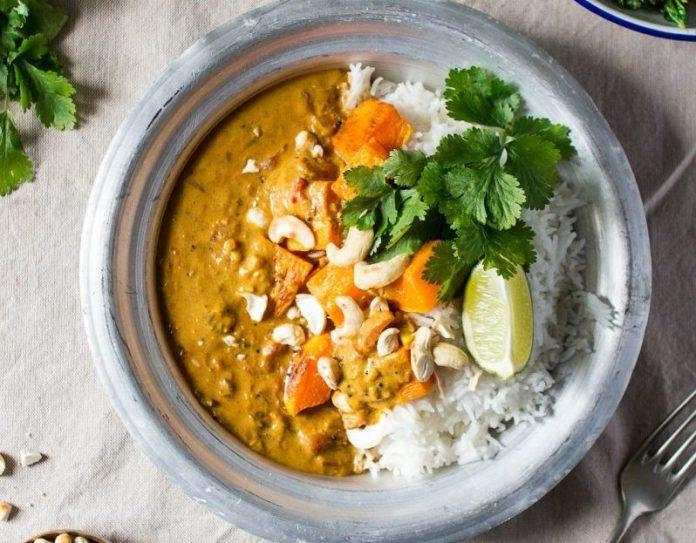 Try these vegetarian Indian food recipes that are packed with bold flavors. These are perfect for theme nights and are vegetarian-friendly!