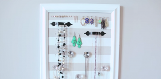 Make this DIY jewelry organizer customizable to your room! This functional wall hanger organizes your jewelry without sacrificing design.