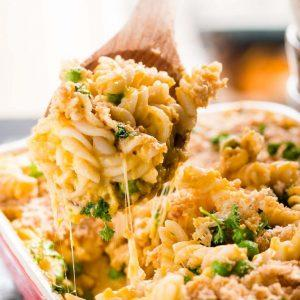 lighter-butternut-squash-and-bacon-mac-and-cheese-recipe-5-768x1152