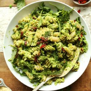 Pea Pesto Pasta With Sun-Dried Tomatoes and Arugula