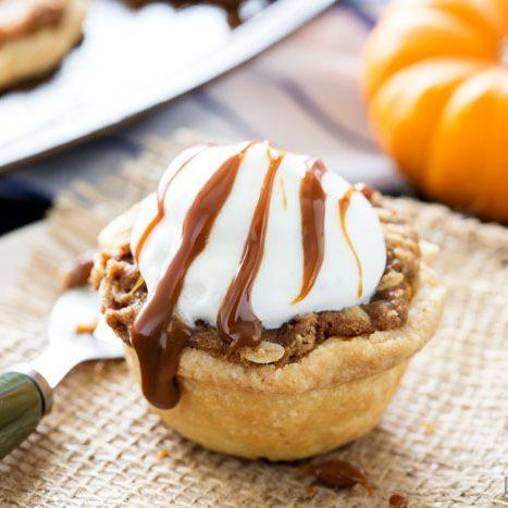 Muffin Tin Pumpkin Pies with Oatmeal Caramel Crumble