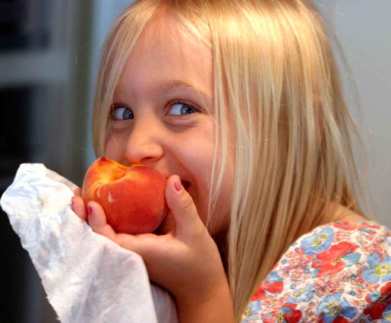 How to Teach Your Kids Healthy Eating Habits (Without Losing Your Mind)