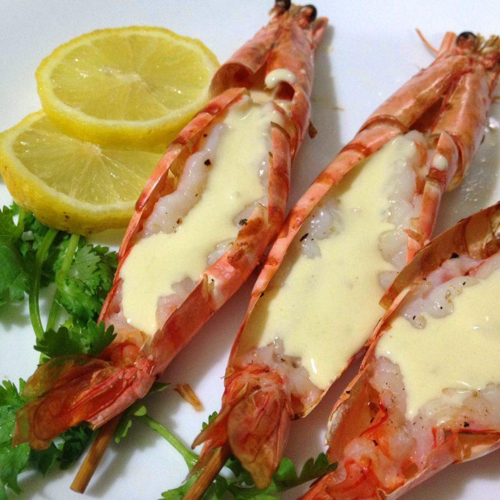 Grilled Prawns served with Garlic Cream Sauce