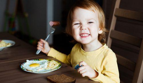 Get Your Picky Eater to Eat Healthier. Professional Advice from a Registered Dietitian
