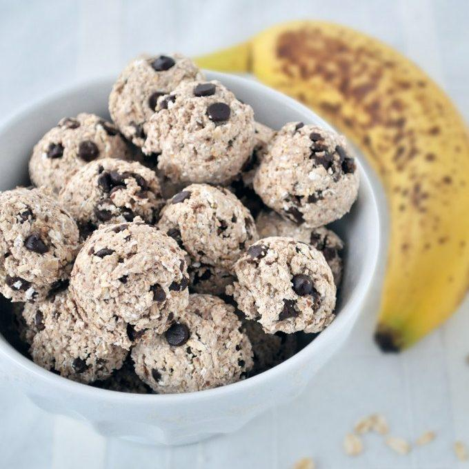 Banana Chocolate Energy Bites
