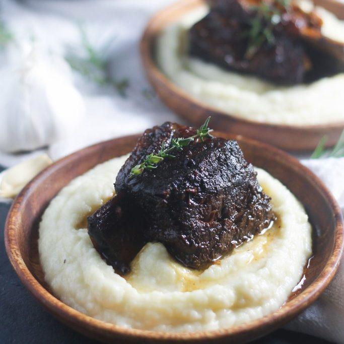 Slow Cooker Garlic Lovers' Short Ribs