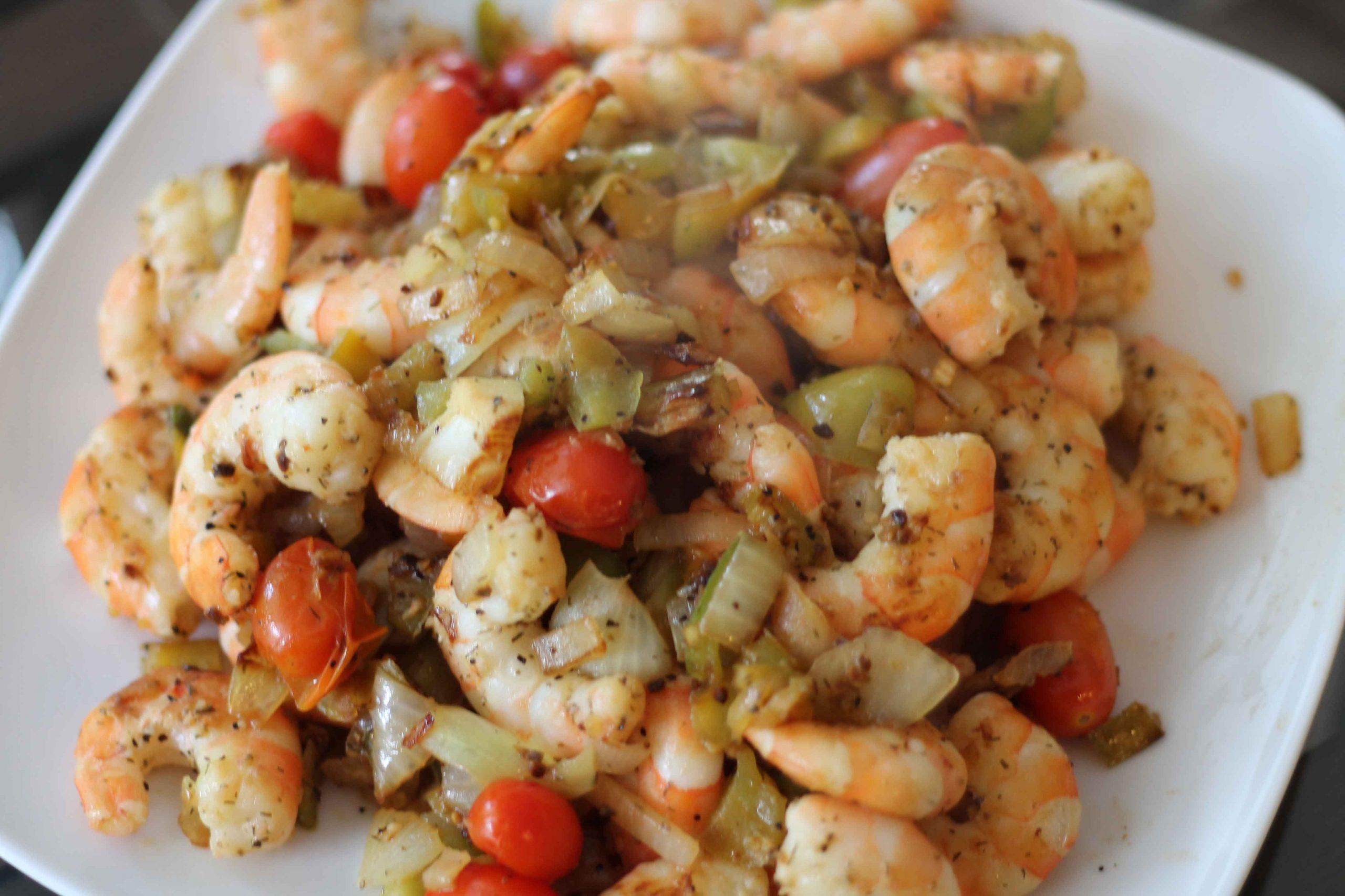 This one pot shrimp and veggies recipe is super simple! You can even mix it up by using your favorite veggies or whatever you have in your fridge.