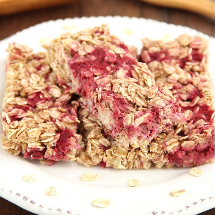 Chewy Raspberry Apple Granola Bars