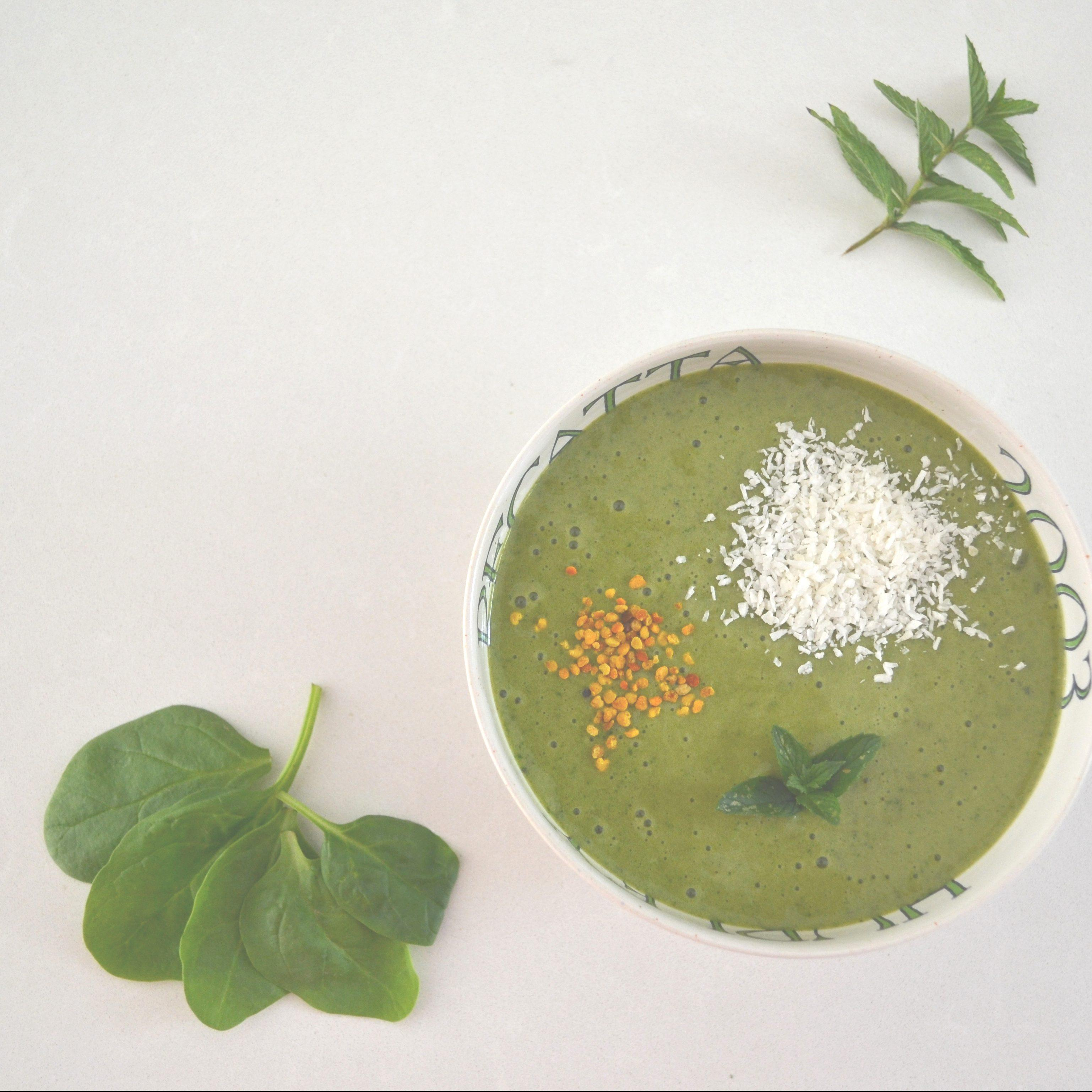 Mint And Moringa Smoothie Bowl